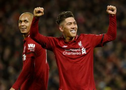 Firmino anota hat-trick na goleada do Liverpool para cima do Arsenal