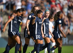 Atacante Debinha deu início à goleada por 4 a 0 do North Carolina Courage sobre o Chicago Red Stars