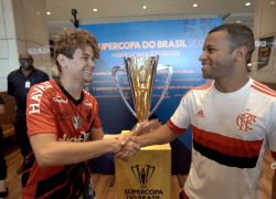 Supercopa do Brasil 2020: torcedores se divertem no tour da taça