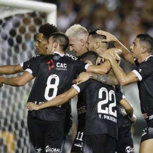 De virada, Vasco vence o time catarinense