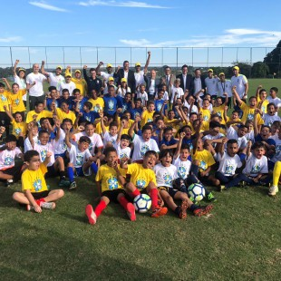 Festival de Futebol no CT do Brasiliense com Washington e Juninho Paulista