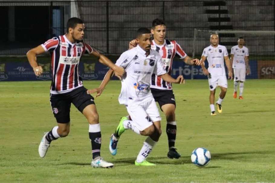 ABC e Santa Cruz travaram duelo bastante disputado no Frasqueirão pela Copa do Nordeste
