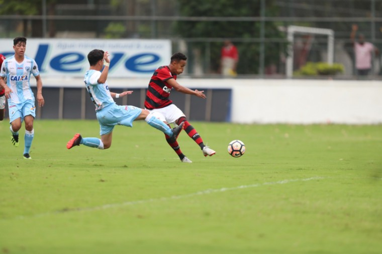 Flamengo goleia o Londrina por 4 a 1 e se classifica para as oitavas de final da Copa do Brasil Sub-17