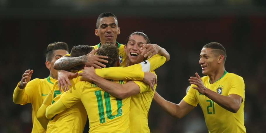 Brasil x Uruguai no Estádio do Arsenal. Gol Allan, Filipe Luís, Neymar e Richarlison