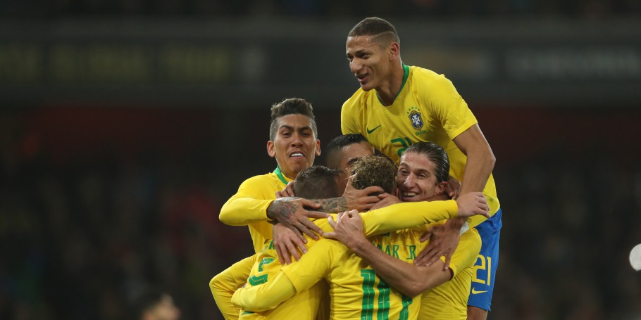 Brasil x Uruguai no Estádio do Arsenal. Gol Firmino Richarlison Filipe Luís Neymar