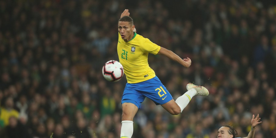 Brasil x Uruguai no Estádio do Arsenal. Richarlison